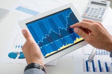 tablet ile işadamı analizi, mühendislerimizin büyüme