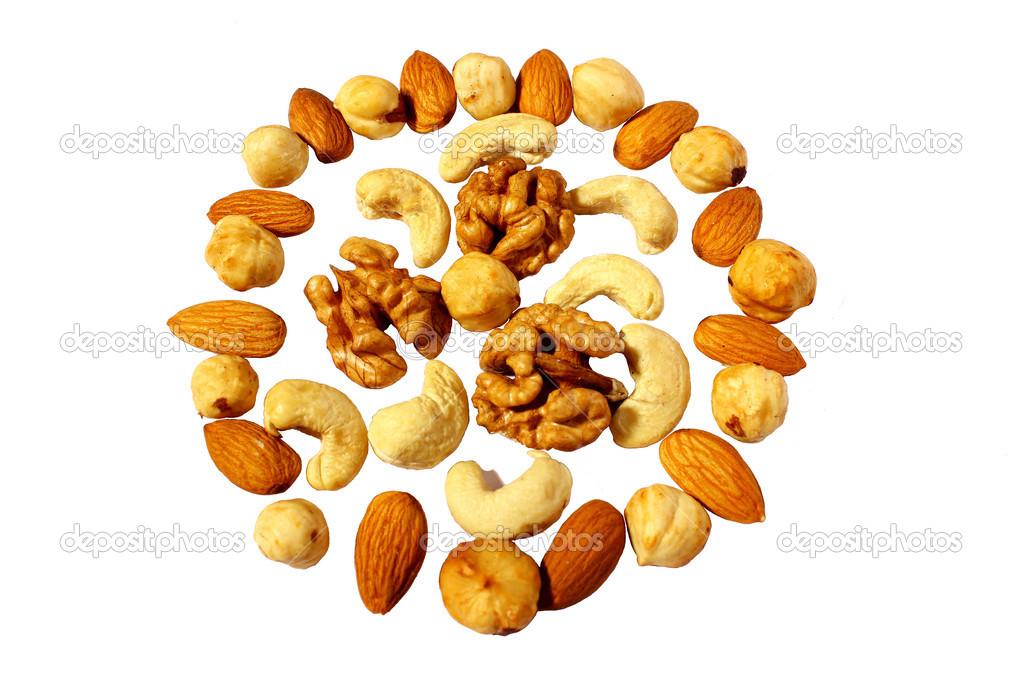Чем полезен кешью. Состав ореха, свойства, калорийность, диета.