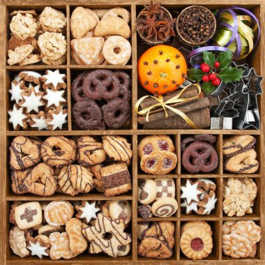 Christmas cookies in wooden box