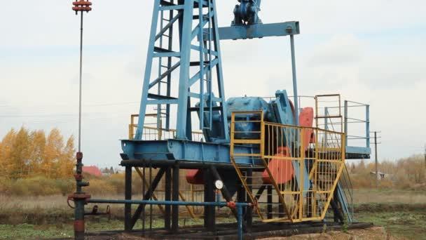 produzione di olio. pompe olio