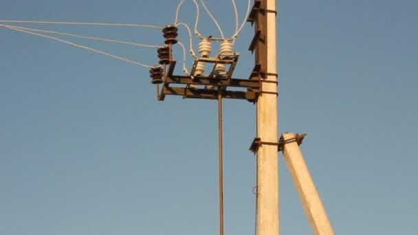 a vezetékek villamosenergia-pole