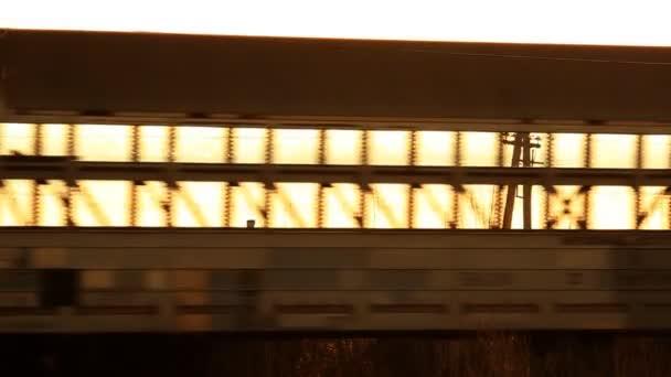 železnice. nákladní vlak v pohybu