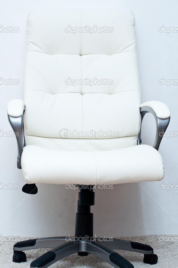 Chaise Pivotante Blanc Sur Fond Image De Alien1855