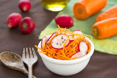Carrot and radish salad