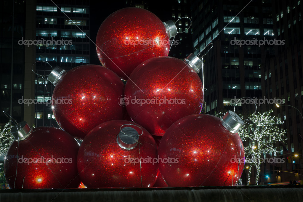 Giant Christmas Ornaments In Nyc Stock Editorial Photo C Vkorost