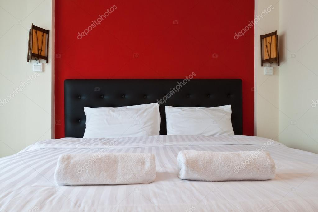 Pareti Camera Da Letto Rossa : Parete camera da letto rossa la scelta giusta è variata sul
