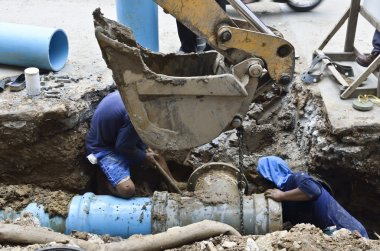 Repair water pipe