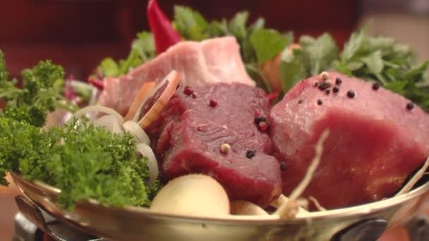 detail maso paprika cibule
