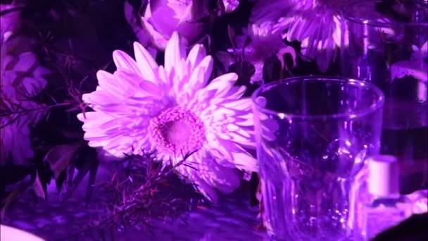 brýle a květiny