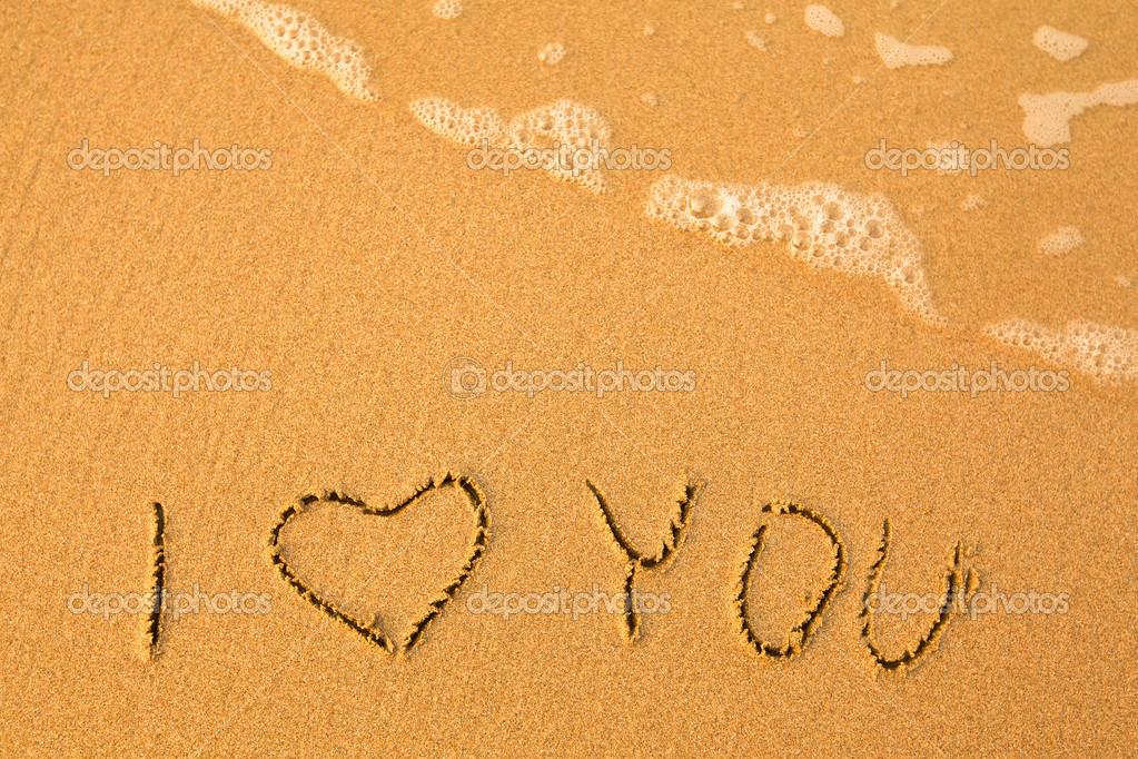 Eu Te Amo Escrito Na Areia Imagens De Stock Royalty Free: Escrito à Mão Na Areia Em Uma Praia De Mar