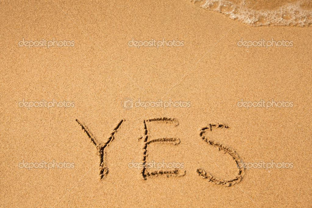 Eu Te Amo Escrito Na Areia Imagens De Stock Royalty Free: Escrito Na Areia, Na Textura De Praia Mar