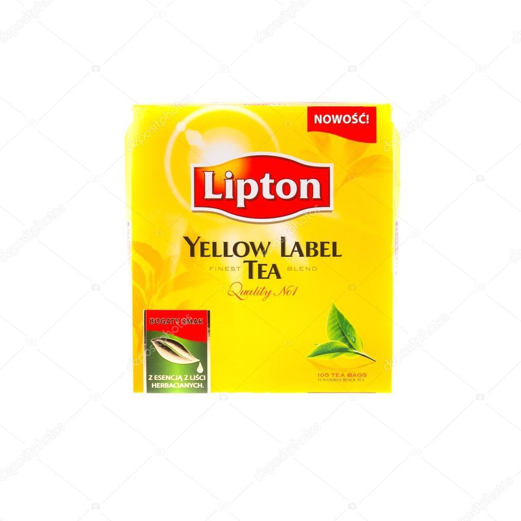 5d684c688 Cracovia, Polonia - 08 de febrero de 2014: studio disparó paquetes de té  lipton etiqueta amarilla 100 bolsitas de té, aislados sobre fondo blanco.