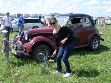 A festival of retro cars
