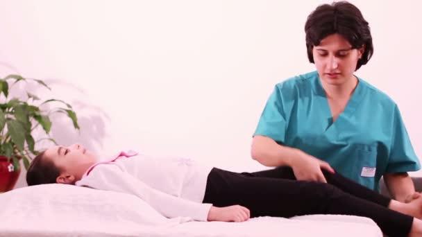 fyzioterapie pro děti na nohy. fyzioterapie pro děti. fyzioterapie v ortopedii
