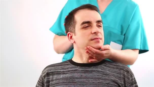 fyzioterapie pro dospělé s problémy s krkem