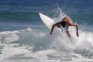 Surf maneuver