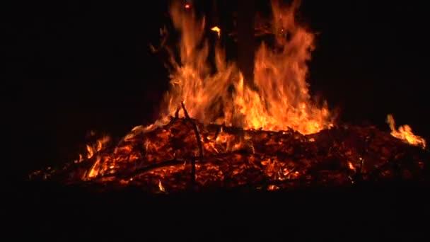čarodějnice vypalování taneční Zpomalený pohyb