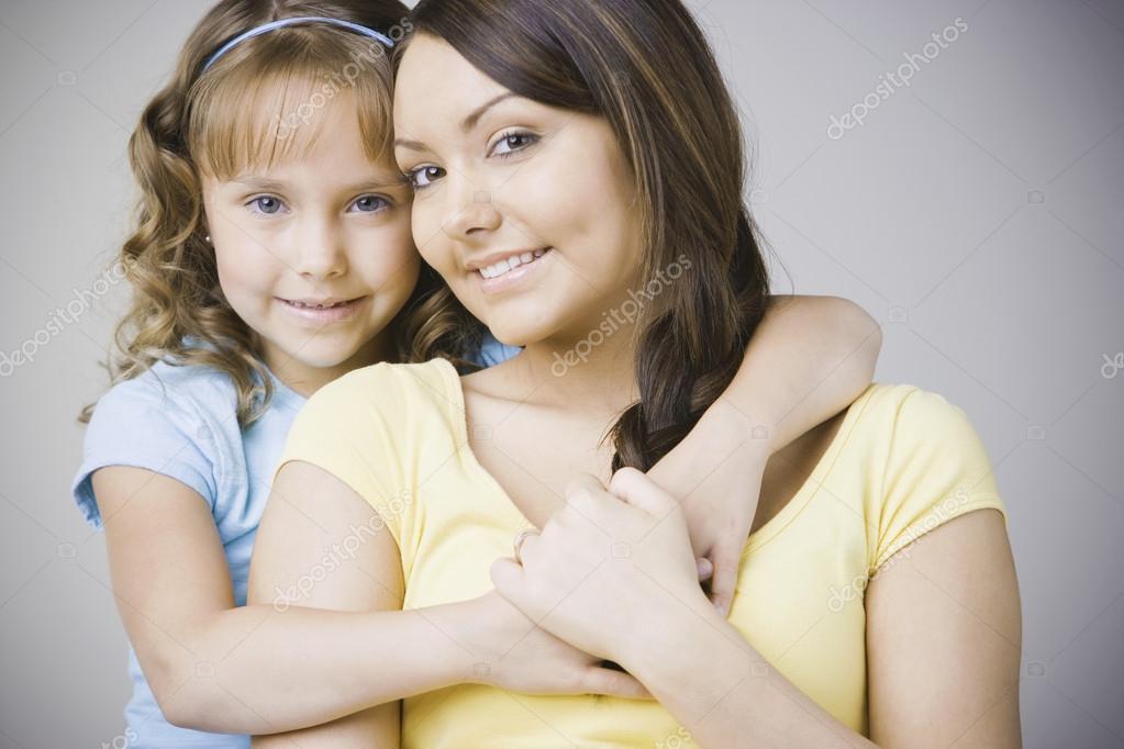 Дочки мамы сосут и