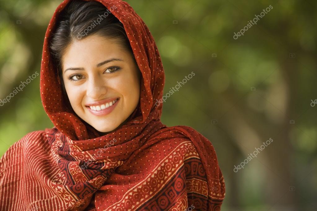 indian head women Indian head shave, aunty head shave, girl head shave, women head shave, indian women head shave, mottai women, mottai aunty, long hair.