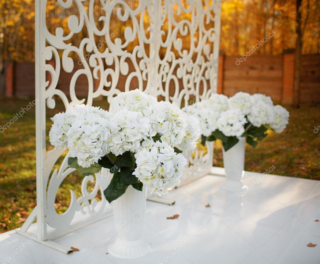 Svatebni Dekorace V Zahrade Stock Fotografie C Manifeesto V 33717611