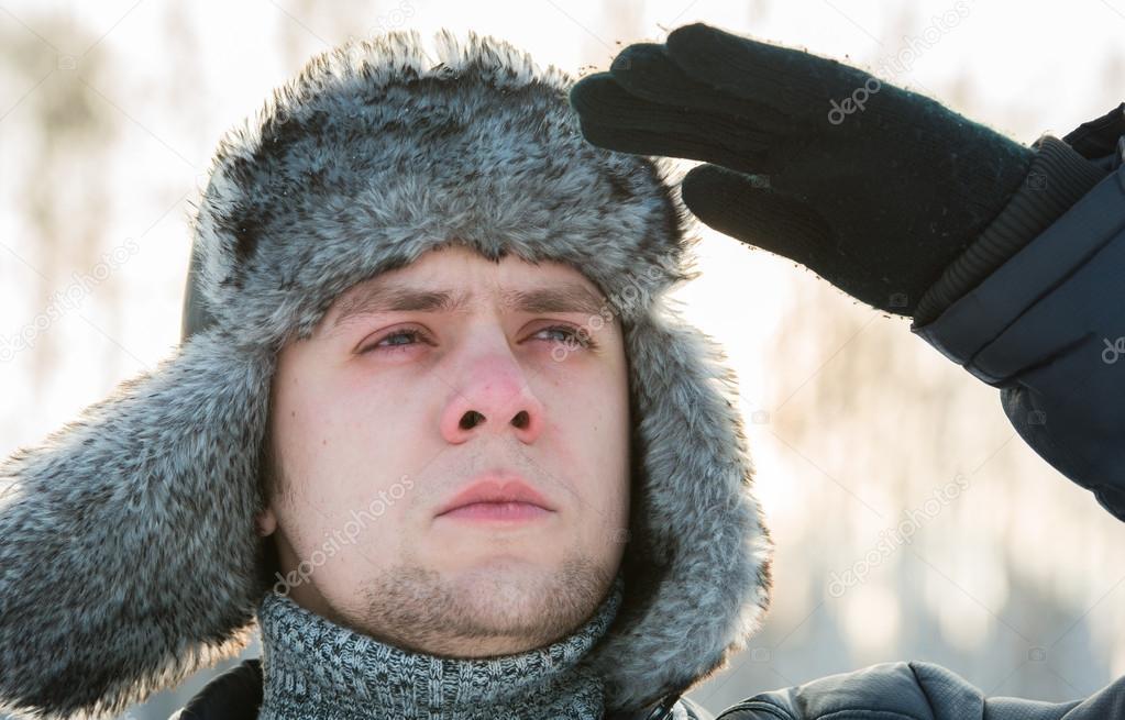 Uomo Di Pelliccia Con Invernale Cappello Un 6twO7rqI6