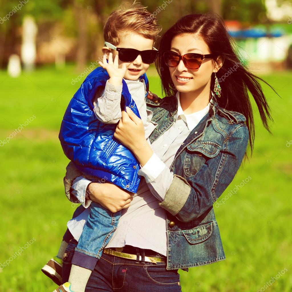 53237e83c Hi & bye concept. Portrait of fashionable baby boy and his gorge — Stock  Photo