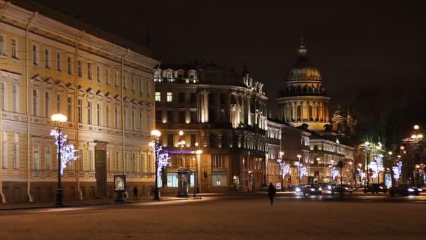 St. Petersburg, Verkehr auf Nevsky Straße bei Nacht