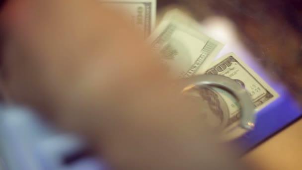 pouta peníze
