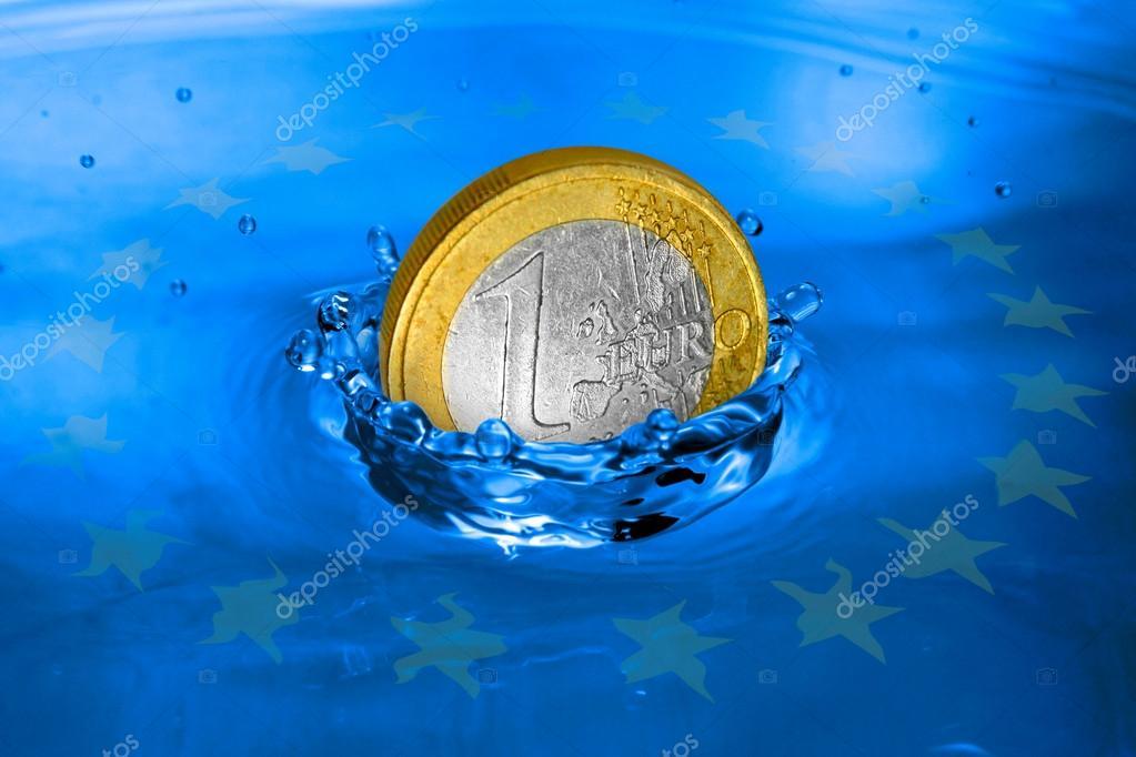 Euro Münze Ins Wasser Fallen Stockfoto Vladvitek 12712842