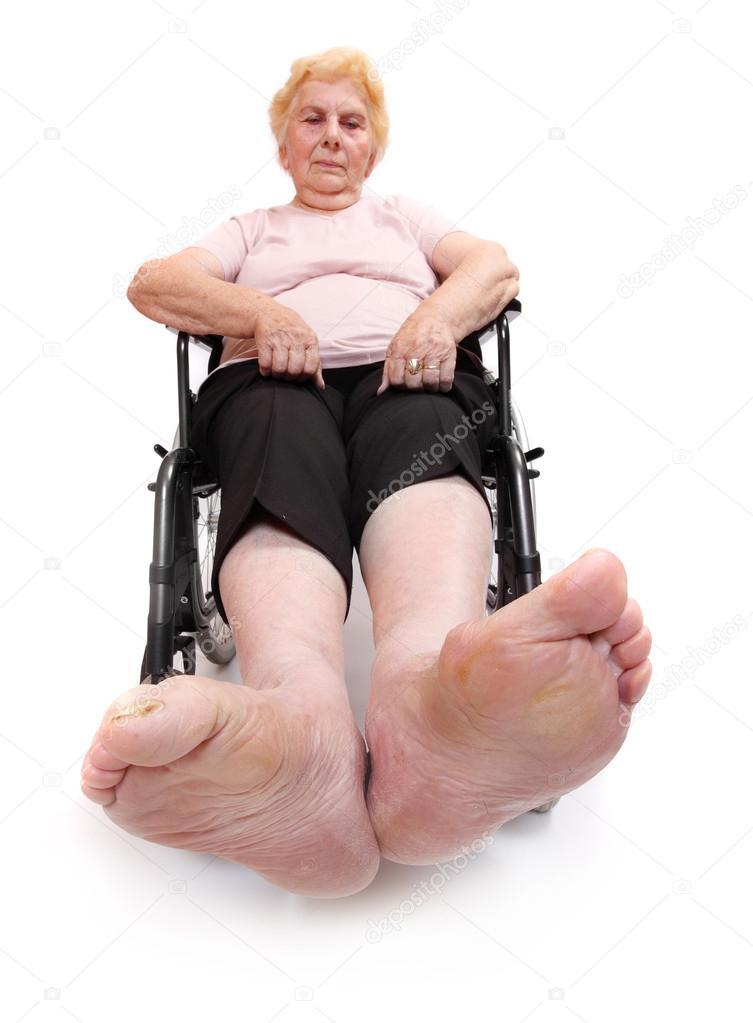 Крепкие женские ноги пожилых женщин #8