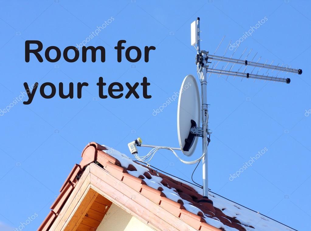 Satellite dish and WiFi antenna — Stock Photo © vladvitek
