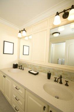 custom bathroom with tile work