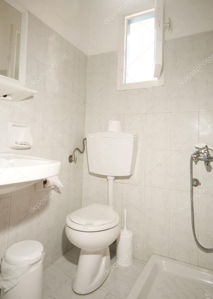 compacte badkamer ios eiland Griekenland — Stockfoto © rjlerich ...