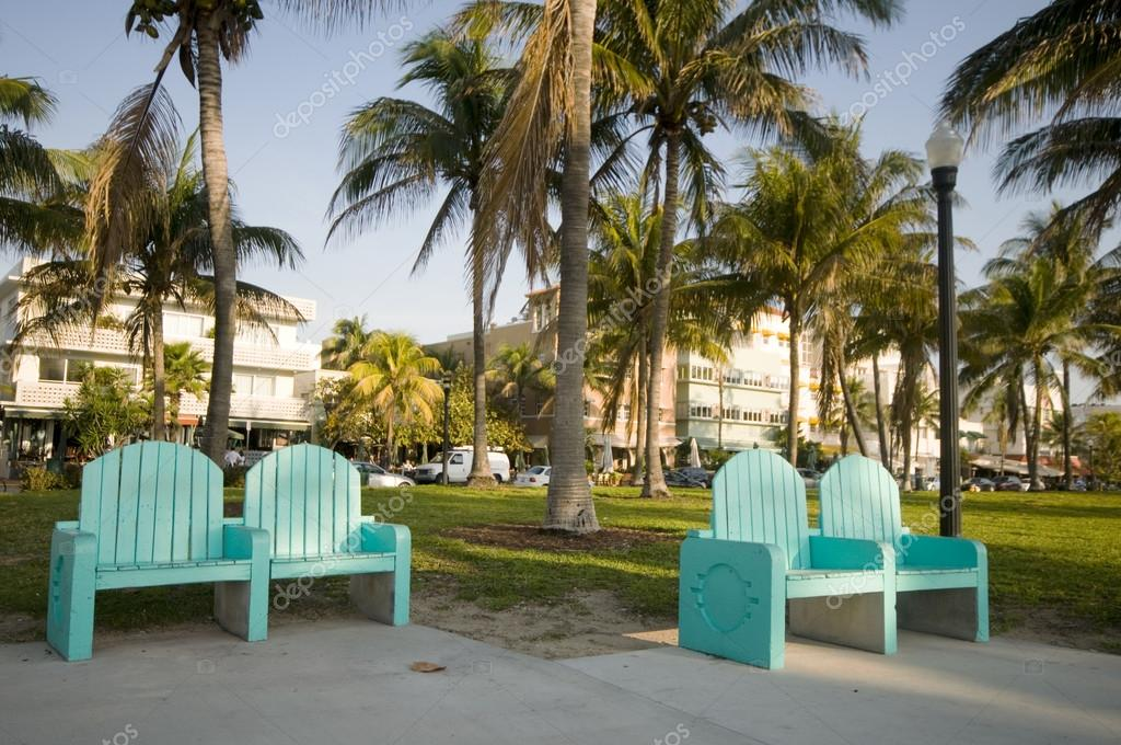 ocean drive south beach park miami florida