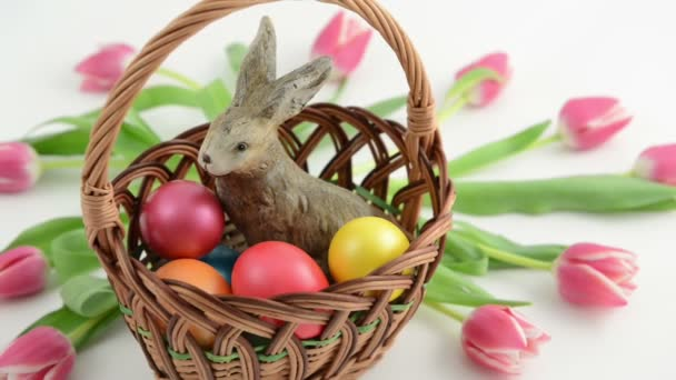 Zoom basket with easter bunny, pink tulips and Easter eggs