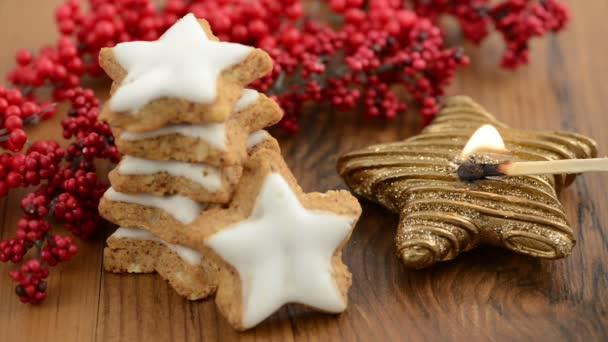 zapálil tvar hvězdy Vánoční svíčky