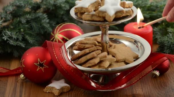 Vánoční čas. stánek dort s skořicové cukroví