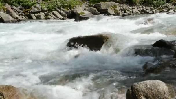 vodopády krimml. Zpomalený pohyb