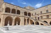 Celkový pohled a památek ostrova středověké město a hrad Rhodos v Řecku