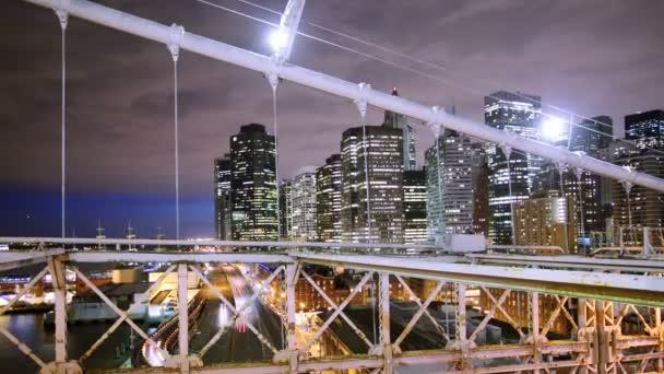 timelapse dolní manhattan střílel z brooklynského mostu v noci, new york
