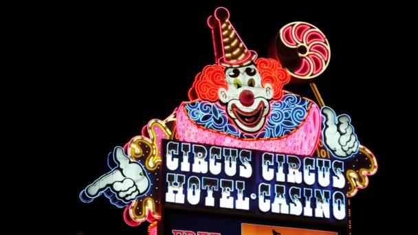 neon flahing segno per il circus circus hotel casino, las vegas, nevada