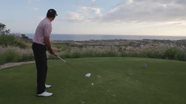 pro Golf na golfovém hřišti světové třídy