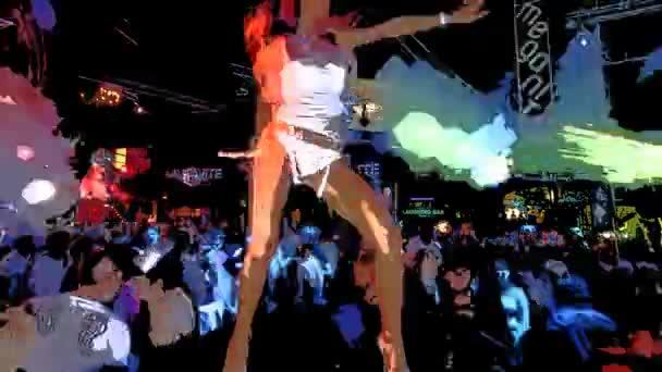 tanečnice v klubu v ibiza