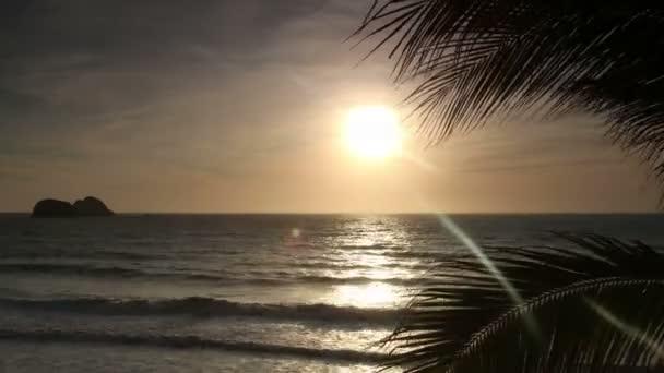 timelapse dramatické západu slunce v pobřežním městě mazatlan