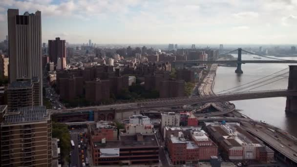 pohled na manhattan skyline a brooklyn bridge z vysoce vantage bod