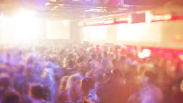 barcelona legnagyobb klub, táncoló tömeg razzmatazz