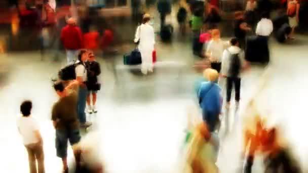 rychle pohybující dav, v Římě stanice temini vlakové nádraží