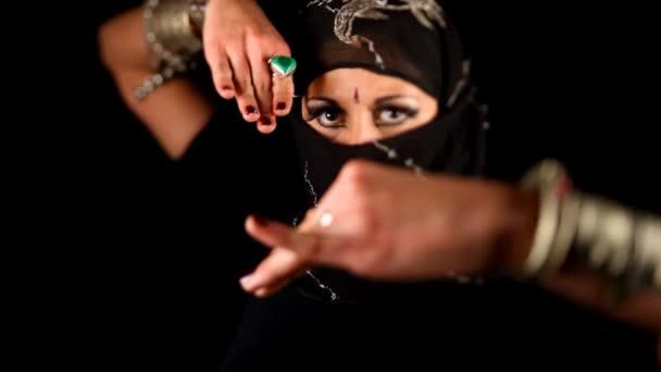 detail rukou arabský styl orientální tanečnice