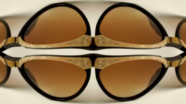 Una colección de gafas de sol retro increíbles diferentes– metraje de stock 3ca766289c67