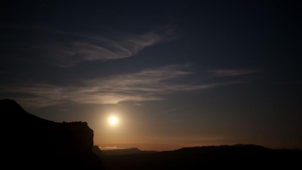 úplněk noční timelapse krásné tavatet hory